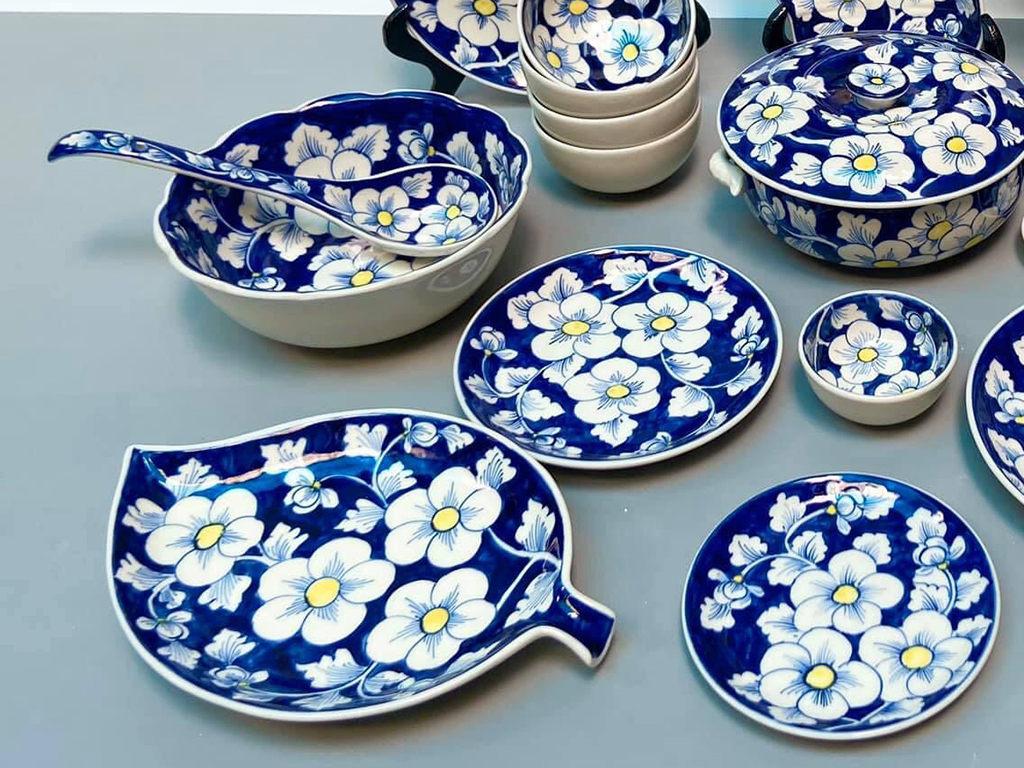 Bộ bát đĩa Bát Tràng vẽ hoa sao băng mai xanh 6 người ăn ảnh 2