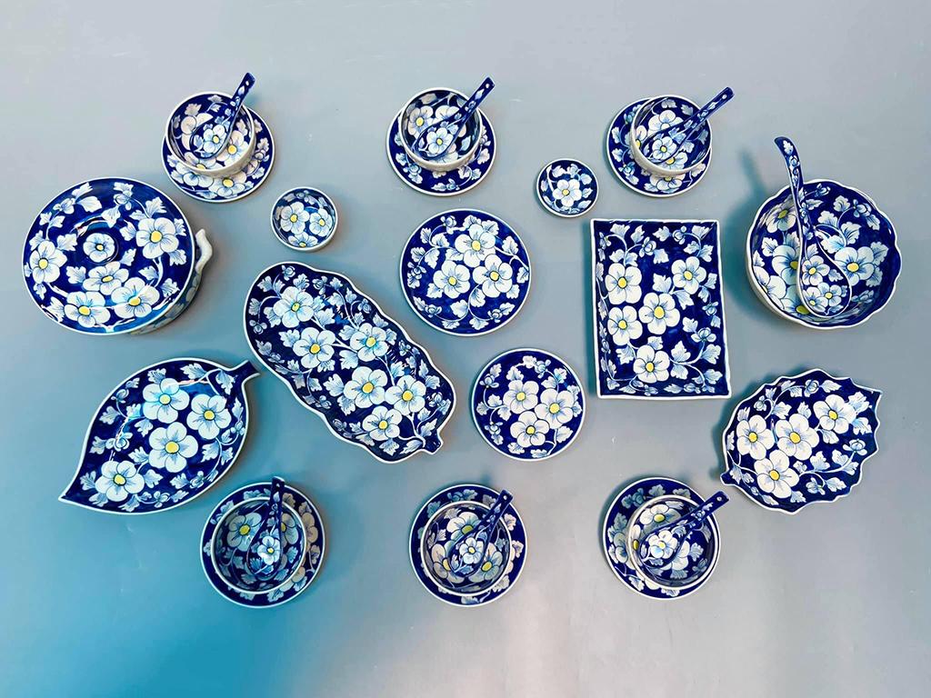 Bộ bát đĩa Bát Tràng vẽ hoa sao băng mai xanh 6 người ăn