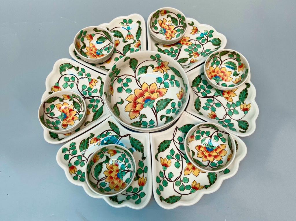 Bộ bát đĩa mâm cơm cúng gia tiên vẽ hoa phù dung đầy đủ ảnh gần