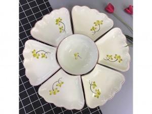 Bộ bát đĩa Bát Tràng hoa mặt trời vẽ sen vàng