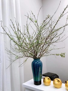 Lọ hoa Bát Tràng men hỏa biến xanh đen tím dáng đùi dế