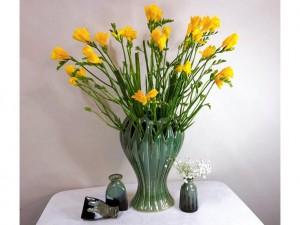 Lọ hoa Bát Tràng men hỏa biến xanh rêu dáng bàn tay phật 28cm
