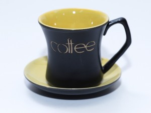 Ly tách cốc uống cafe gốm sứ men đen lòng vàng