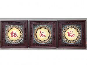 Tranh chữ sứ Phúc Lộc Thọ khung gỗ gụ 50x50 cm