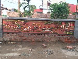 Tranh gốm ốp tường ghép mảnh cảnh Vinh quy Bái Tổ